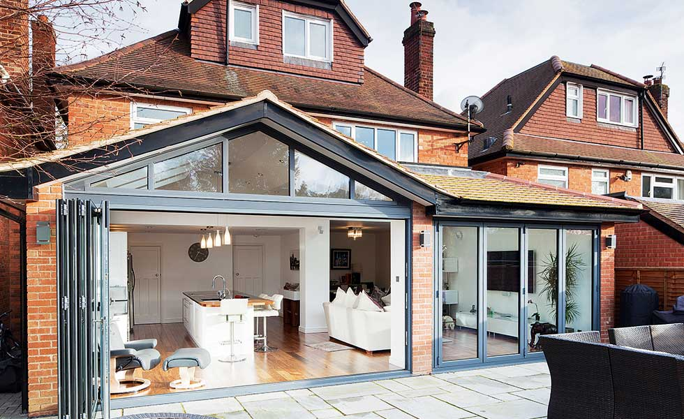 Tricks and tips for saving money on your home extension for Kitchen extension ideas uk